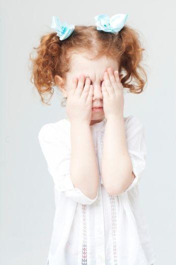 職場でも好意バレバレな女性の反応は?意外と盲点な発見法!